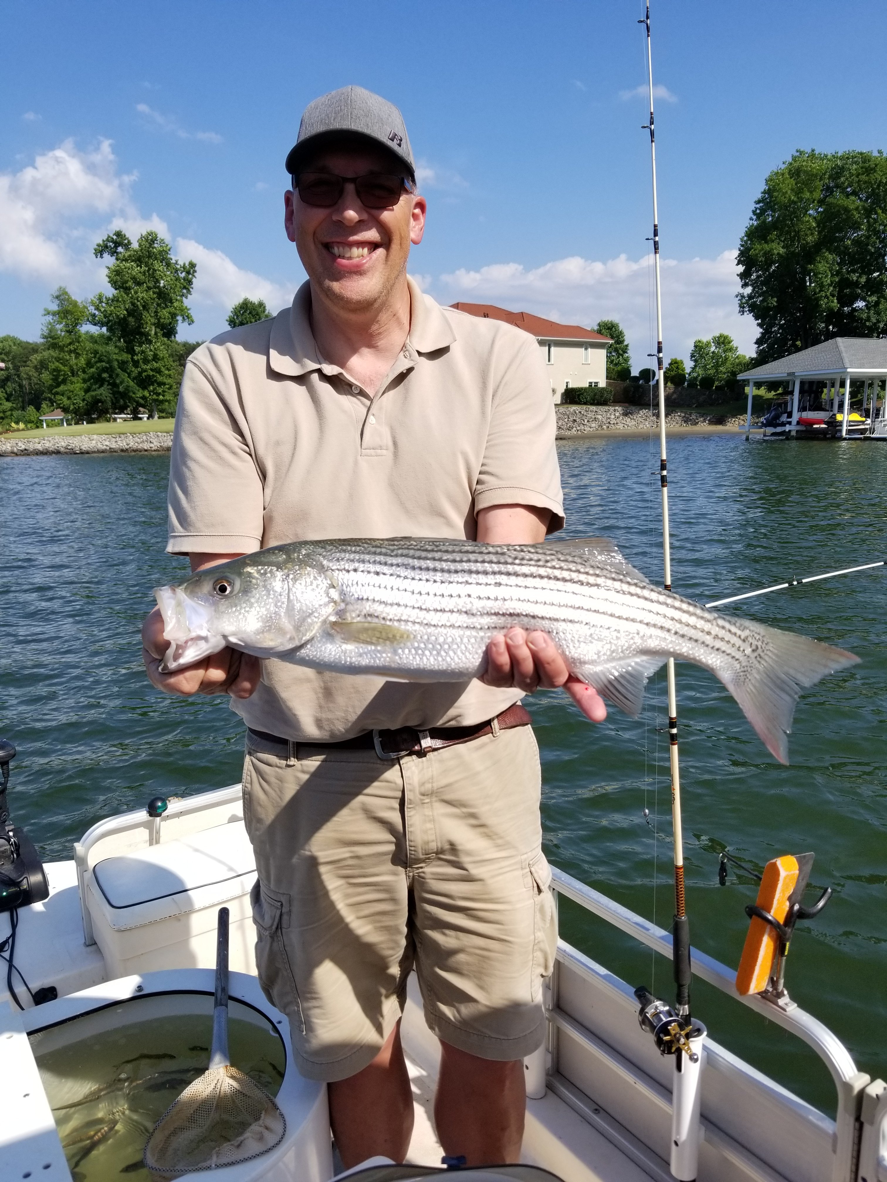 striper-fishing-guide-Smith-Mountain-Lake